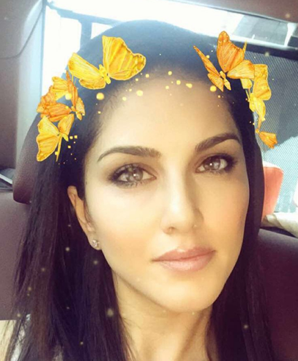 sunny Indian Celebrity Snapchats-25 Indian Celebrity Snapchat Accounts to follow