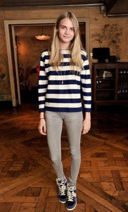 735b05a74606e28f6a60ca365dea81a2 25 Most Stylish Cara Delevingne Summer Outfits This Year