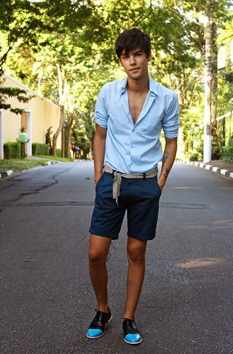men-street-style-with-bermudas 50 Most Hottest Men Street Style Fashion to Follow These Days