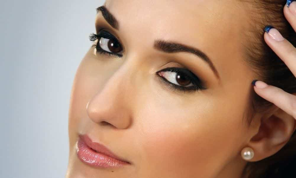 Summer-Makeup-Tips-evening 9 Simple Summer Makeup Tips For A Fresh And Natural Look