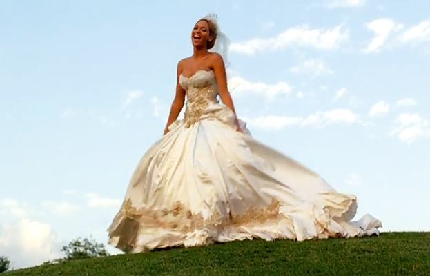 beyonce1 10 Celebrities Who Wore World Most Expensive Wedding Dresses