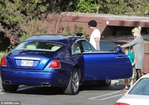 gwen-500x354 Top 5 Female Celebrities With Most Expensive Cars in World