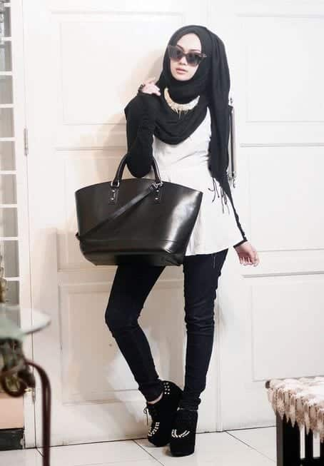street-hijab-fashion-Indah-Nada-Puspita 25 Western Outfits to Wear with Hijab for Gorgeous Look