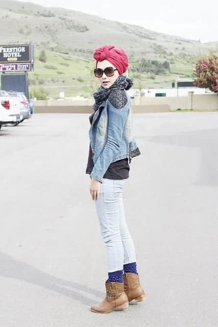 turban-Indah-Nada-Puspita 25 Western Outfits to Wear with Hijab for Gorgeous Look