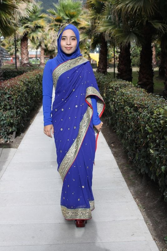 How to wear saree modestly? (27)