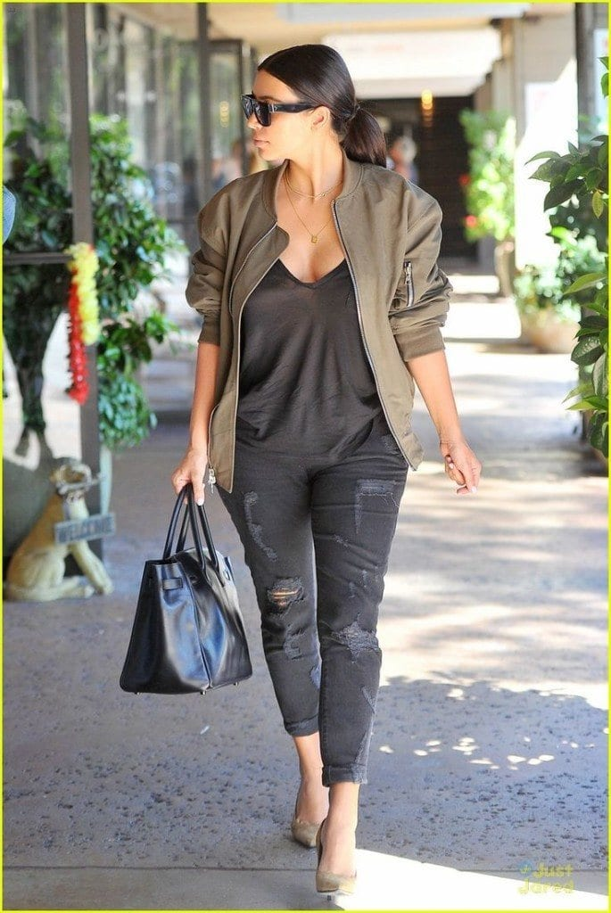 31-685x1024 30 Most Stylish Kim kardashian's Outfits Rocking Social Media