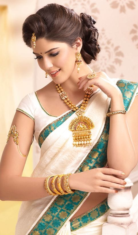 Excellent Hairstyles For Saree 20 Cute Hairstyles To Wear With Saree Short Hairstyles Gunalazisus