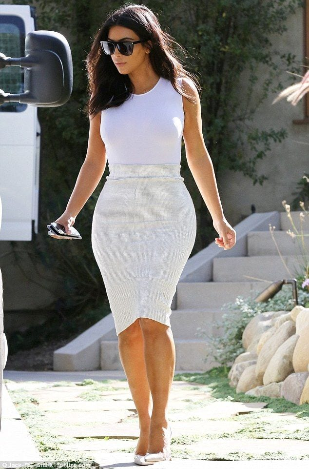 81 30 Most Stylish Kim kardashian's Outfits Rocking Social Media