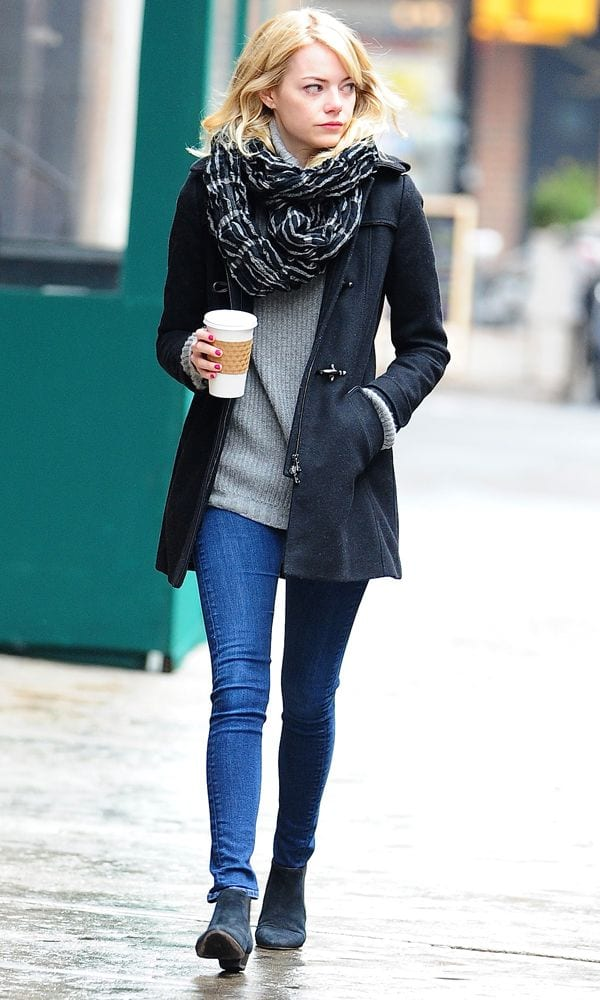 Emma-Stone-winter-casual-fashion 25 Most Popular Winter Street Style Outfit Ideas for Women