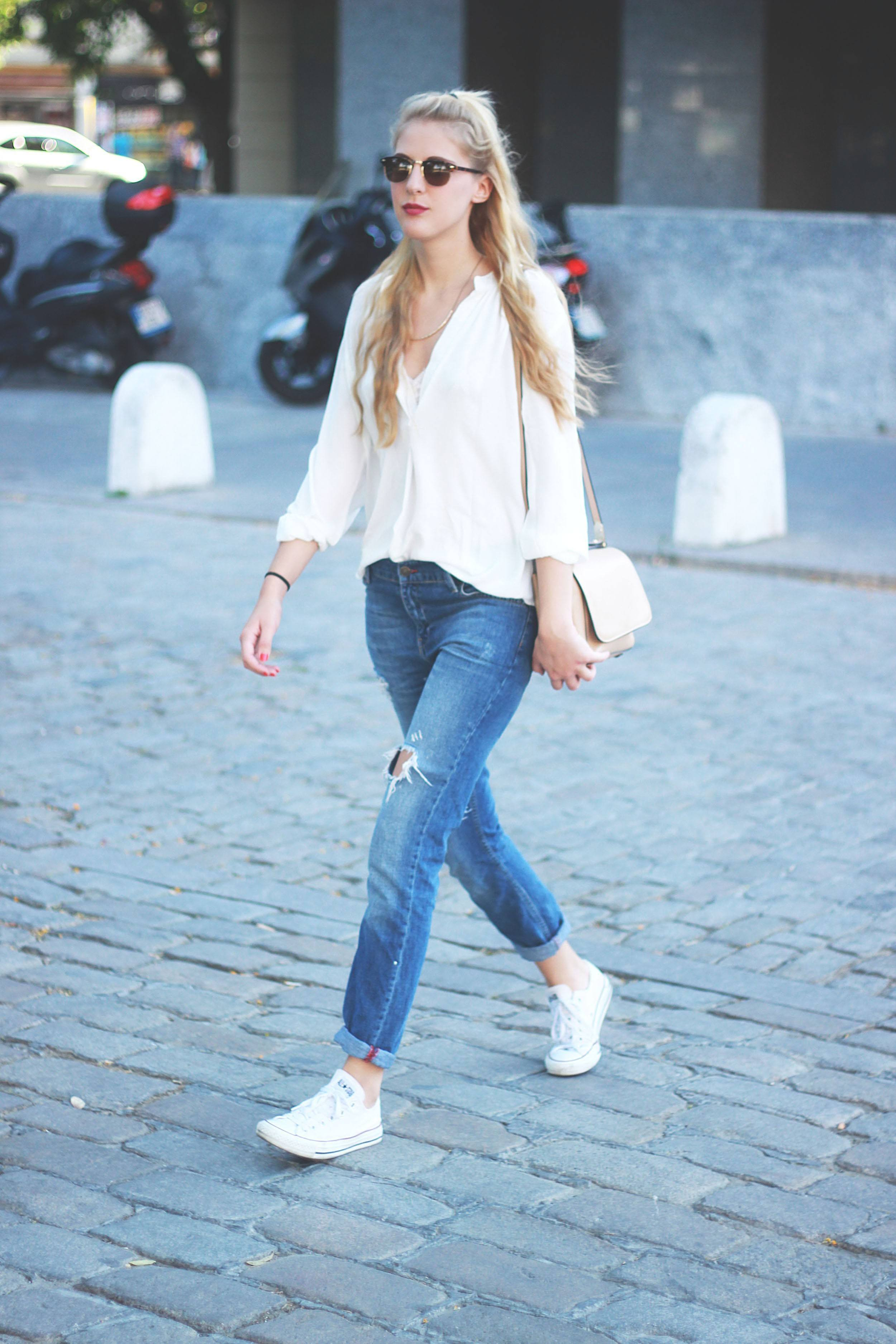 sporty-look-in-spring 21 Trending Spring Street Style Outfits for Women This Year