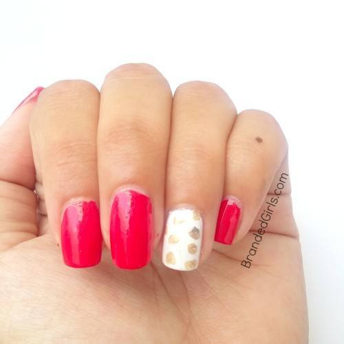 Gold-polka-dot-2-500x500 Bling Nail Desings-How do add a Gold Bling to your Nail Art