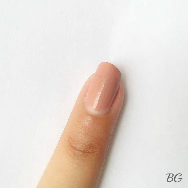 Nail-Art-Tutorial-Gold-Chevron-1-e1439052250690 DIY Gold Chevron Nail Design-Step By Step Nail Art Tutorial