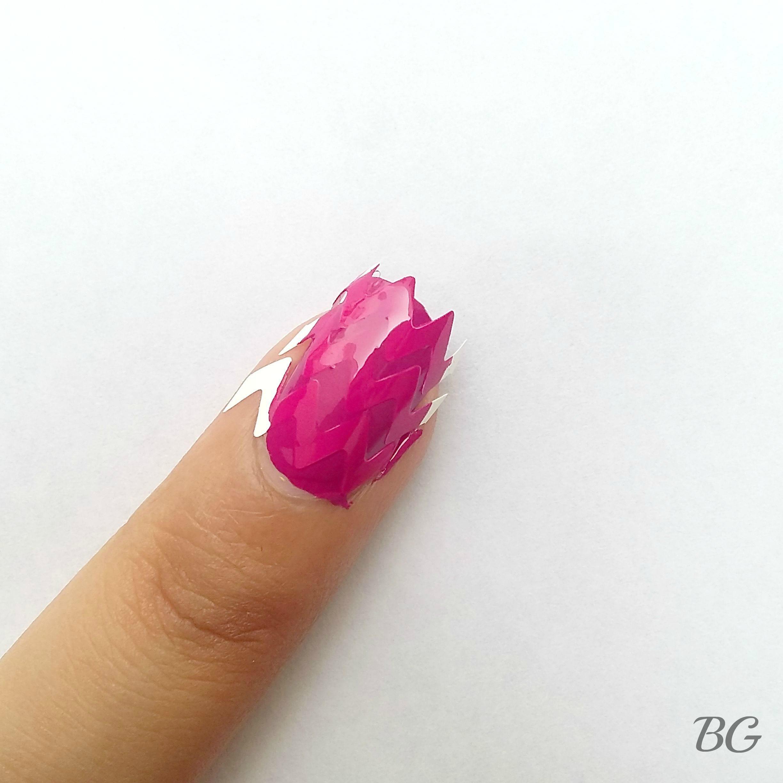 Nail Art Tutorial - Gold Chevron