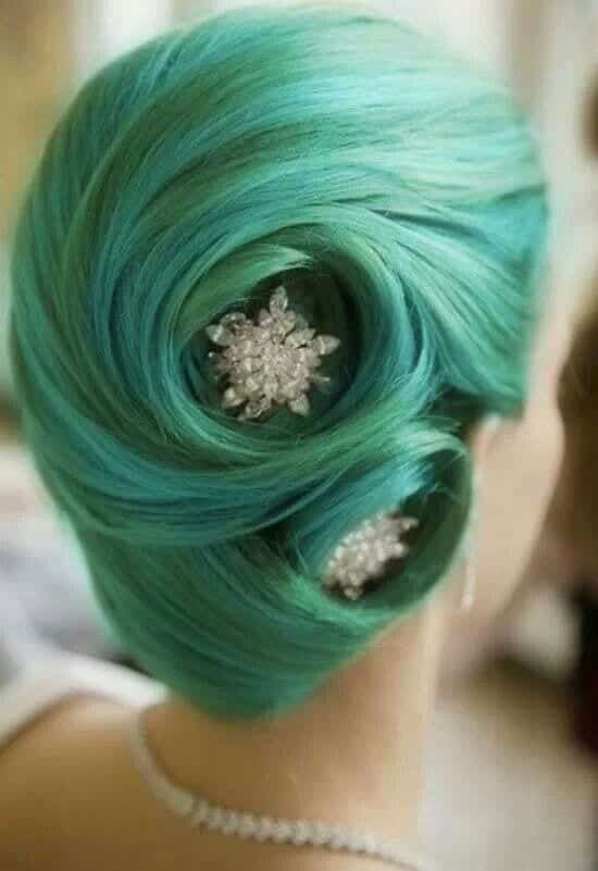 Green hairstyles for girls (7)