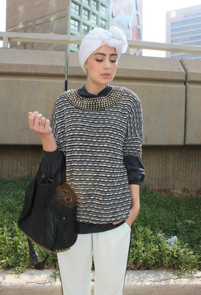 ascia-akf-fashion-style-blogger-in-the-middle-east-photos-white-turban-alexander-wang-bag-casual 10 Popular Hijab Fashion Instagram Accounts to Follow This Year