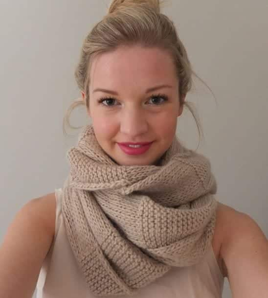 Scraf-wrapping-styles-new 5 Trendy Scarves Wrapping Styles to Compliment Your Outfit