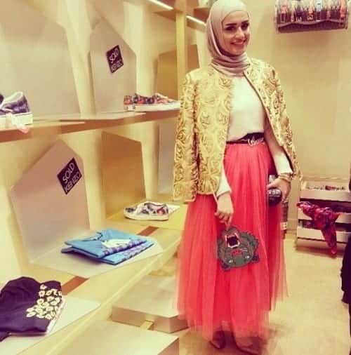 hijab-party-dresses Hijab Skirt outfits-24 Modest Ways to Wear Hijab with Skirts