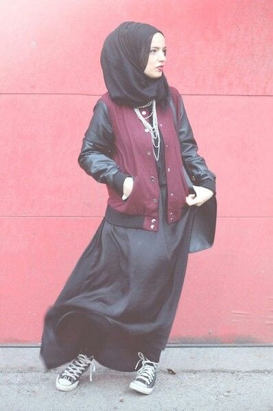 18 ways to wear sneakers with hijab outfit (10)