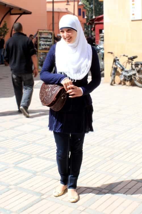9 Hijab with Jeans–19 Modest Hijab Jeans Outfits this Season