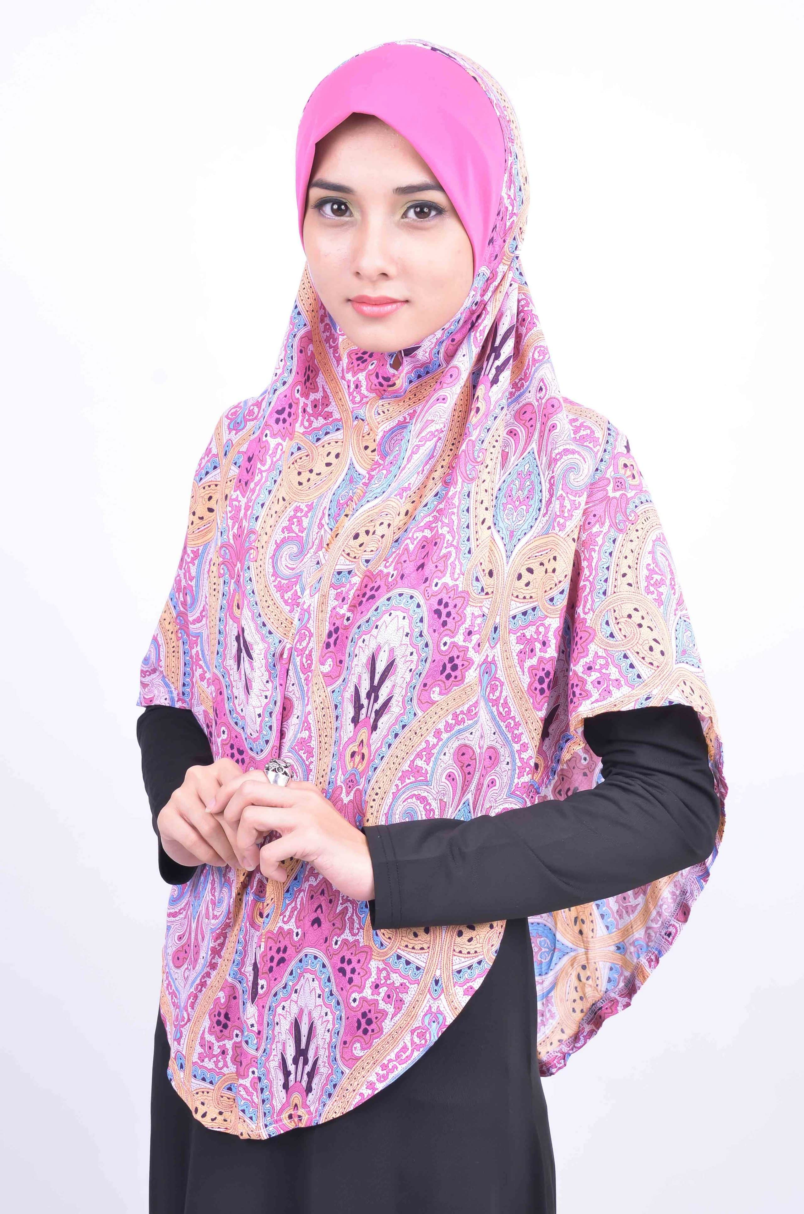 Pink Hijab Fashion (10)