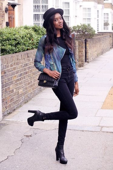 ankle-boots-heels 25 Best Shoes to Wear with Jeans for Different Looks