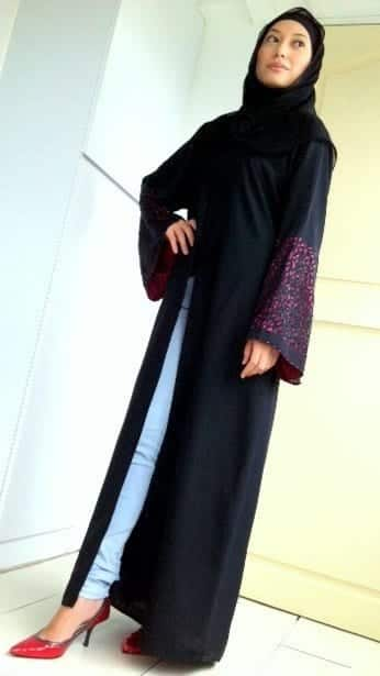 How to style abaya with jeans? (9)