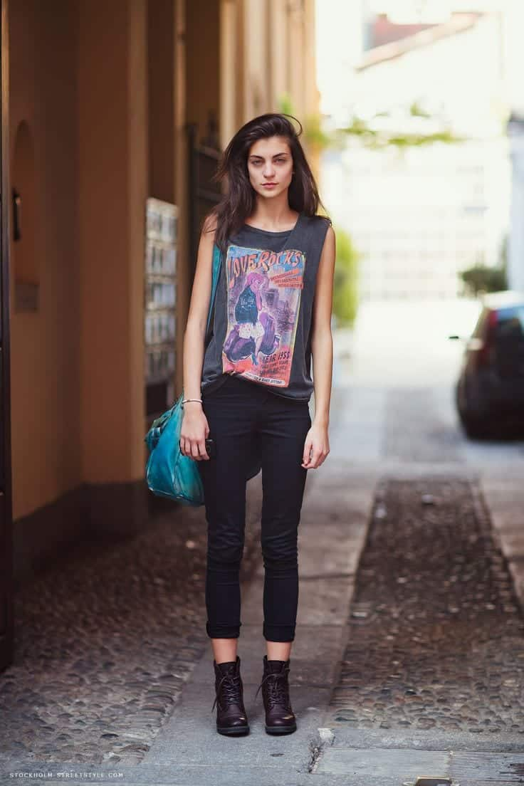 e Muscle Tee Outfits-20 Ways to Wear Muscle Tees for Girls Fashionably