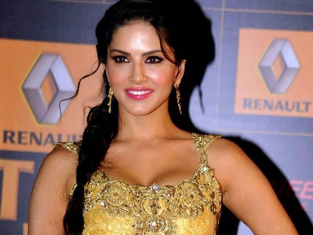 ff 20 Best Sunny Leone Hairstyles of All time
