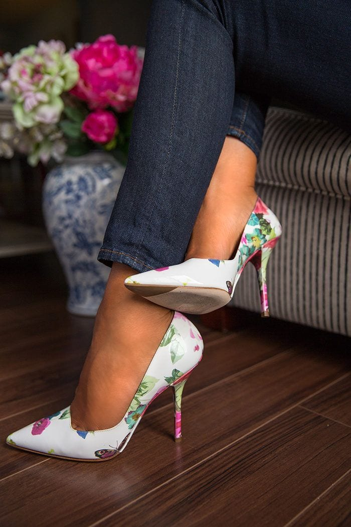 floral-shoes 25 Best Shoes to Wear with Jeans for Different Looks