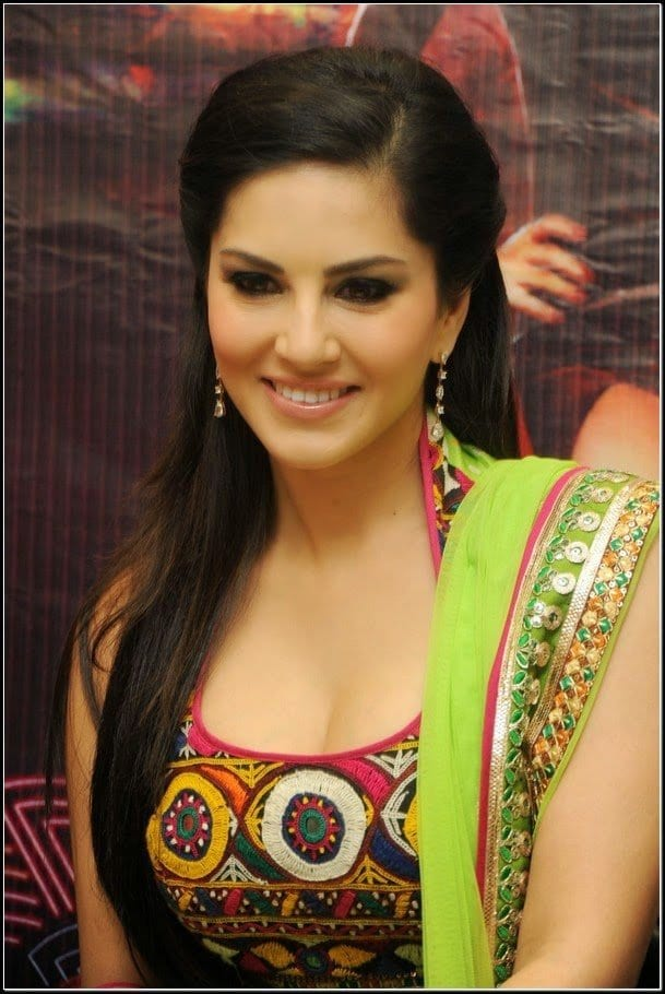 hal 20 Best Sunny Leone Hairstyles of All time