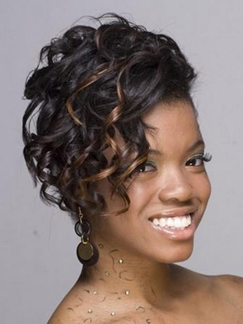 121 25 Cute Short Curly Hairstyles for Black Women These Days