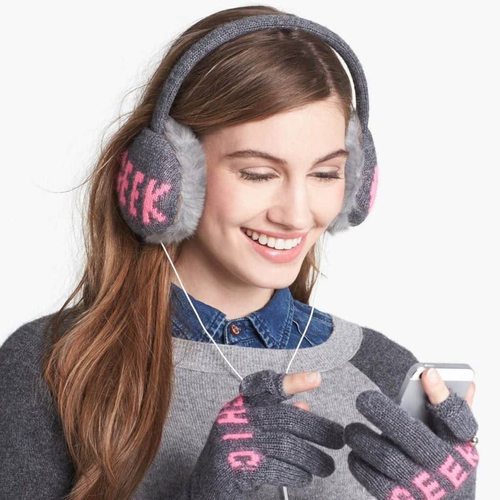 earmufs2-1024x1024 10 Must Have Winter Fashion Accessories for Women This Year