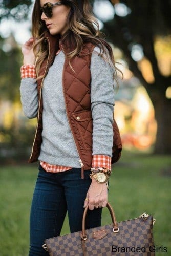 Simple outfits to wear with puffy vests (11)