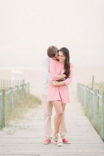 married-couple-hugging13-333x500 These 30 Cute Married People Hugging Pictures Will Melt Your Heart