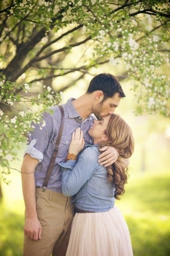 married-couple-hugging271-333x500 These 30 Cute Married People Hugging Pictures Will Melt Your Heart