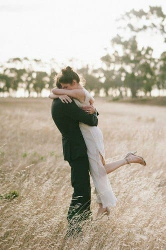 married-couple-hugging28-333x500 These 30 Cute Married People Hugging Pictures Will Melt Your Heart