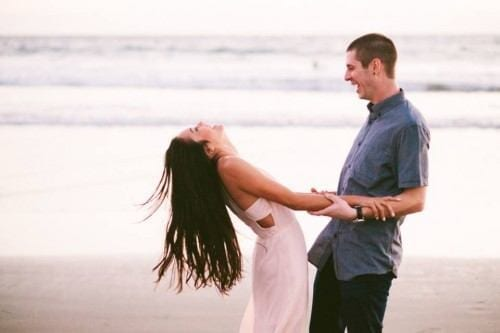 married-couple-hugging3-500x333 These 30 Cute Married People Hugging Pictures Will Melt Your Heart