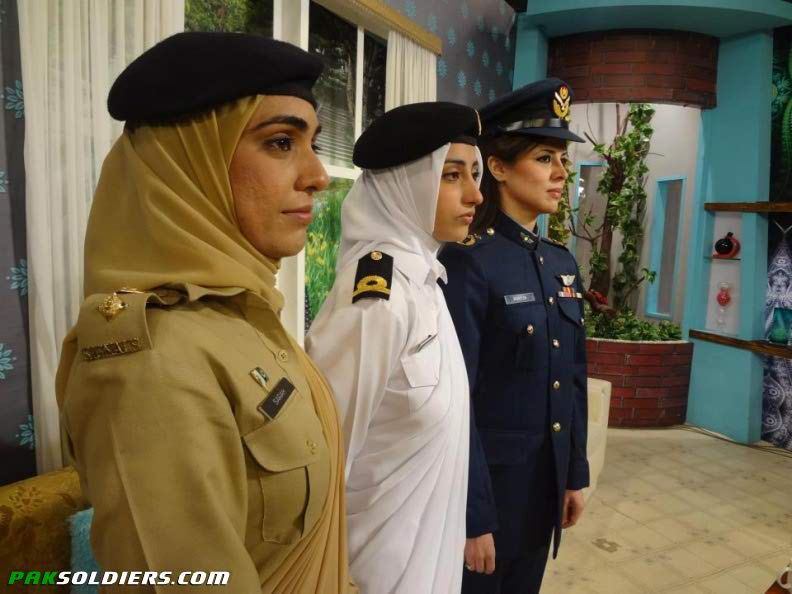 10-1 Top 10 Countries with Most Beautiful Women Soldiers in World