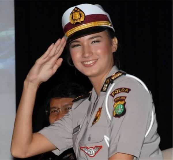 Indonesian Most Sexy Female Soldiers-15 Most Beautiful Women In Uniform