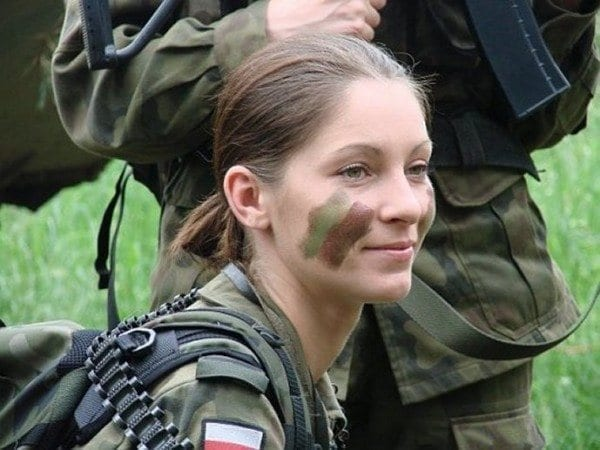 Poland Most Sexy Female Soldiers-15 Most Beautiful Women In Uniform
