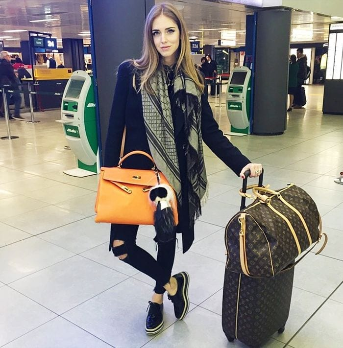 Cute Outfits To Wear At Airport-18 Best Airport Styling Tips