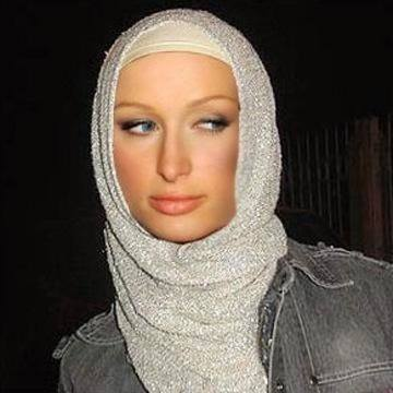 Hijab-Paris-Hilton12 Hijabi Actresses - Top 10 Celebrities Who Wear Hijab