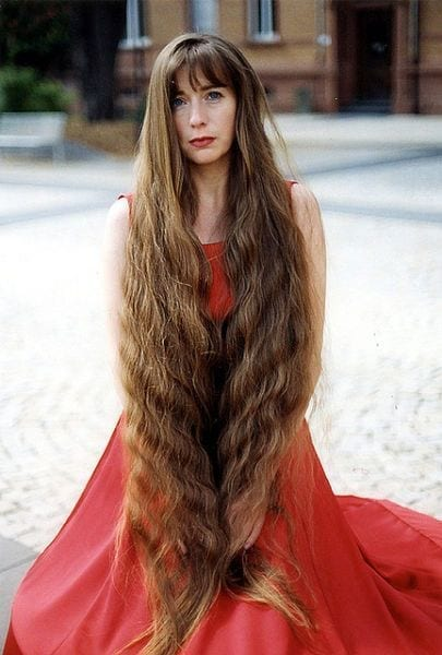 11-The-Woman-With-Princess-like-Long-Hair Longest Hair Women-30 Girls with Longest Hair In the World