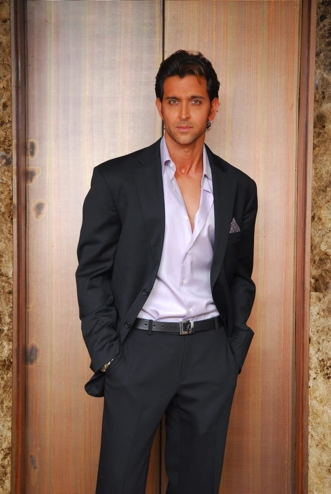 24-An-Imaginably-Sophisticated-Suite Hrithik Roshan Outfits-30 Best Dressing Styles of Hrithik Roshan