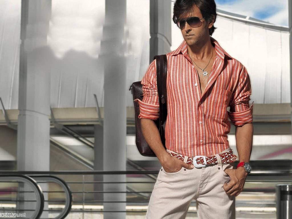 3-A-Chic-Boyish-Outfit-1024x768 Hrithik Roshan Outfits-30 Best Dressing Styles of Hrithik Roshan