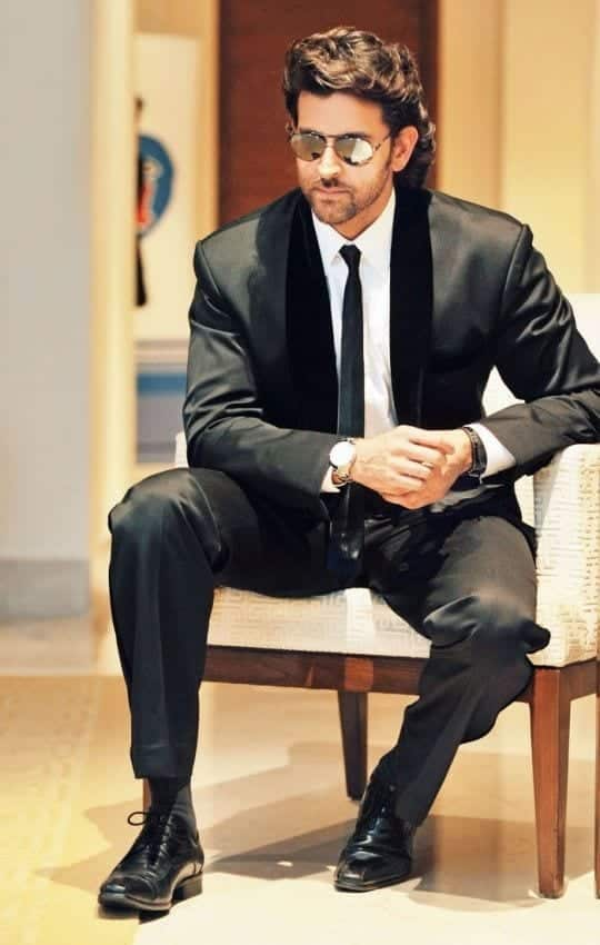 30-A-Classy-Stylish-Suite Hrithik Roshan Outfits-30 Best Dressing Styles of Hrithik Roshan