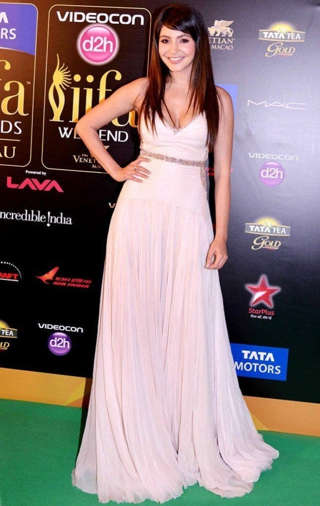 30-Anushka-in-a-Stunningly-Simple-White-Gown-648x1024 Anushka Sharma Outfits-32 Best Dressing Styles of Anushka Sharma