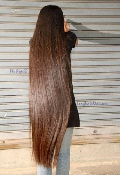 30-The-Girl-With-The-Silkiest-Hair Longest Hair Women-30 Girls with Longest Hair In the World