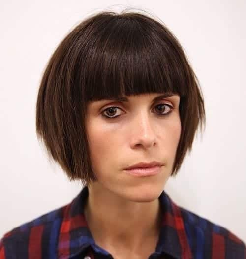 5-choppy-bob-with-straight-bangs 28 Cute Hairstyles for Oval Face Shape Girls These Days