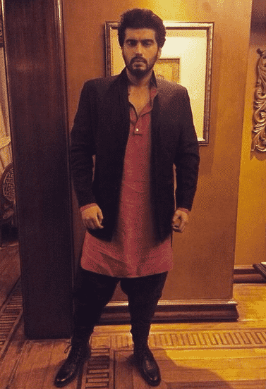 9-A-Timeless-Party-Outfit-to-Walk-in-With Arjun Kapoor Outfits-30 Best Dressing Styles of Arjun Kapoor to Copy